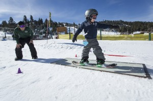 Learning to  ski.  Photo: Lee Stockwell / Big Bear Mountain Resorts