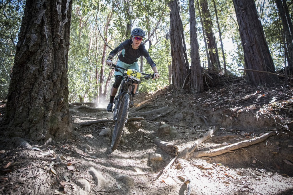 Olympian and 2014 World Championships bronze medalist Lea Davison's (Specialized) exceptional fitness paid off on Stage 3. She took her strong riding all the way to a 1st place pro women finish. What a way to cap off her first Enduro!