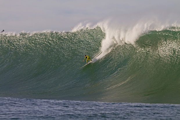 Peter Mel surfing Mavericks (Frank Quirarte).