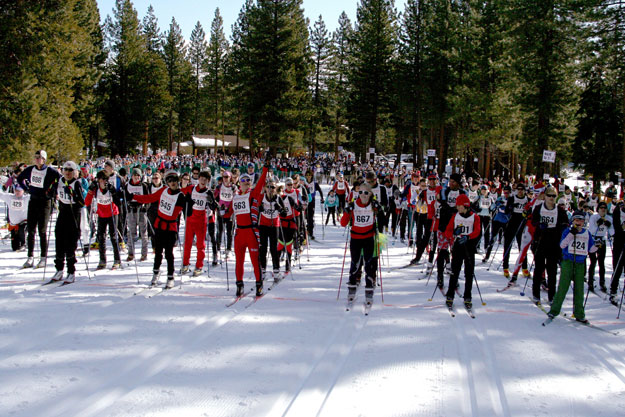 greatrace2010_wavefour-acms-skiers-625