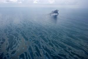 Gulf Oil Lingering on the Sea Floor