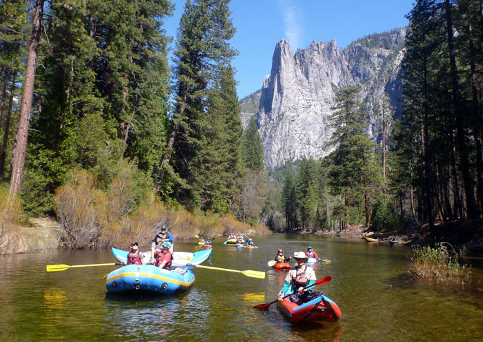Paddlers with Sentinel Rock in the background (Dave Steindorf).