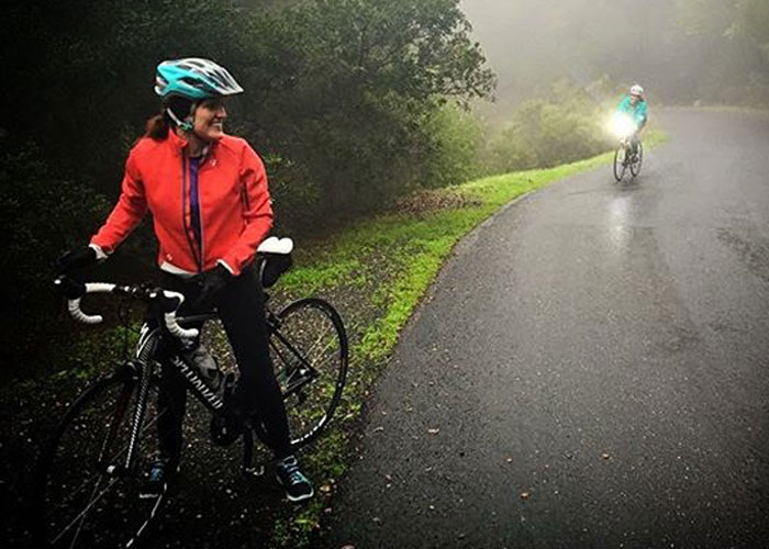 melisrw78 @asjmag I'm glad she waited. I almost lost her in the fog with no tail light ;-) #BeLouder #ASJBontrager