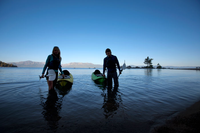 ETG-LTWT-Kayak-Couple-Corey-Rich-Aurora-Photos