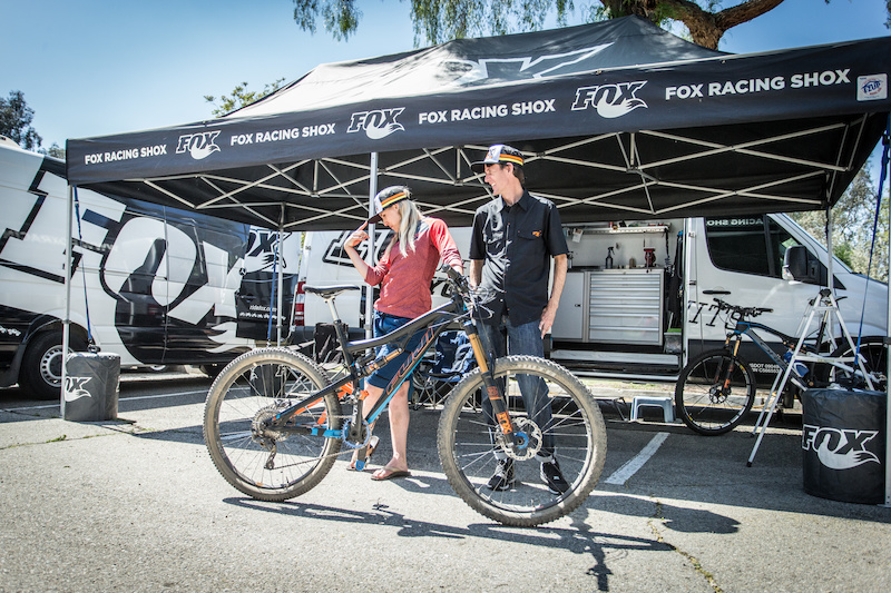 FOX stepped up again this year as a sponsor of the 2016 California Enduro Series, providing a 2016 FOX 36 for CES to raffle off at every race. The winner received choice of travel, wheel size, and color. FOX pro rider Lauren Gregg strikes a pose at the Fontana Enduro early in the season. Photo: Called to Creation.