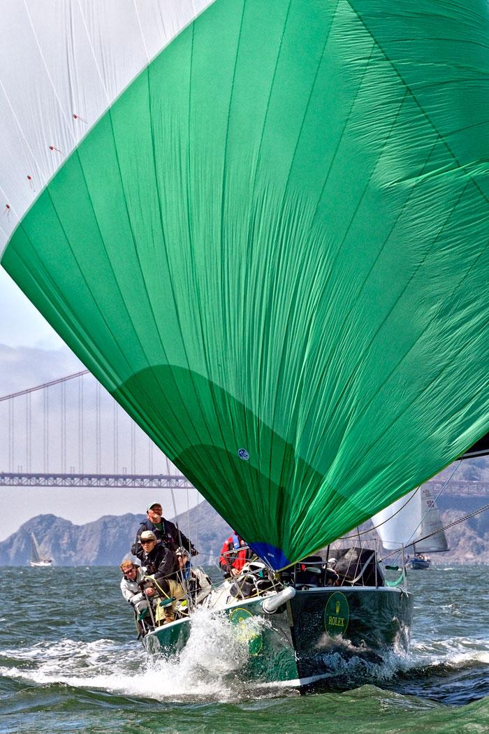 Full chute running cross-bay.