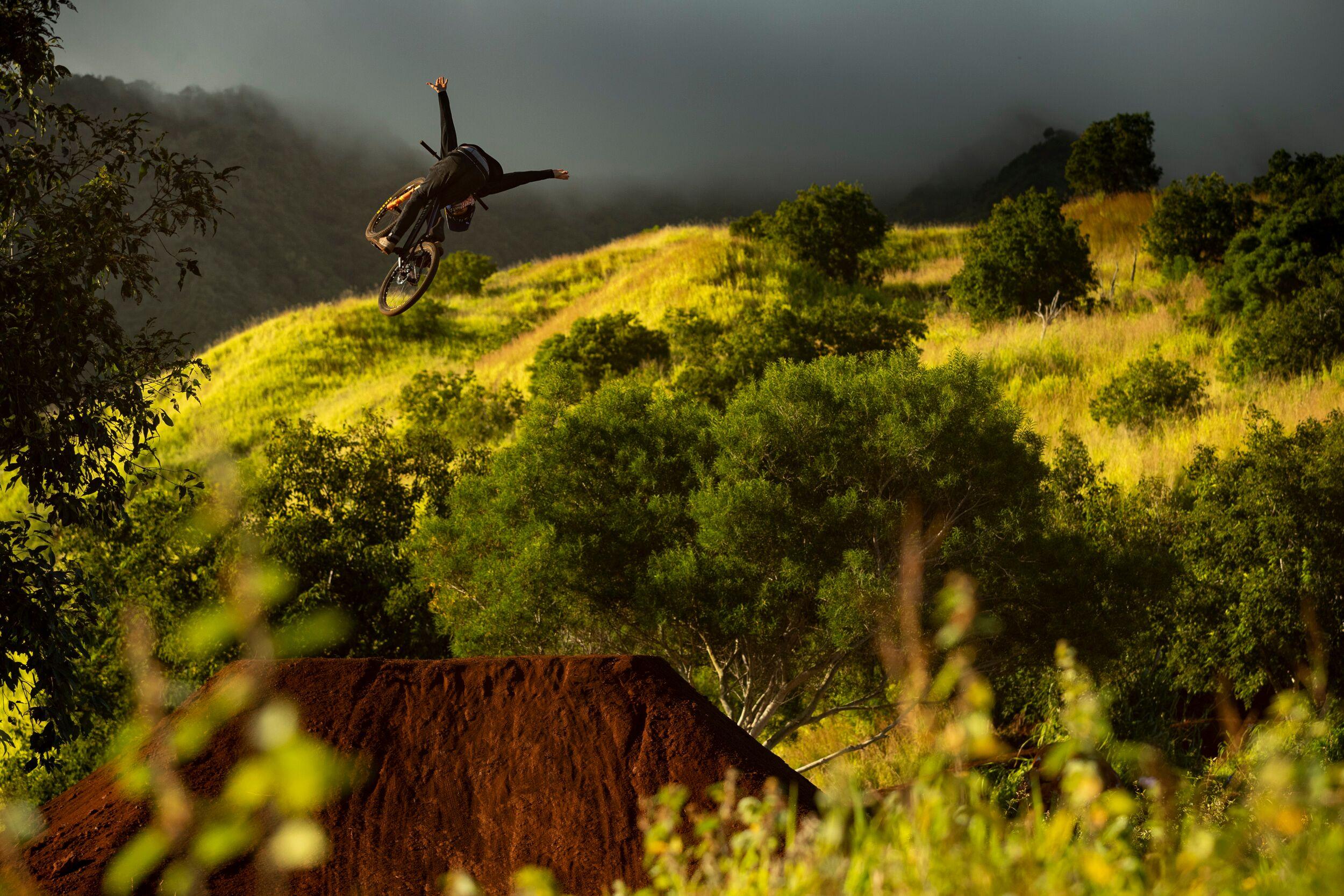 Return to Earth Premieres in Santa Cruz as Fundraiser for Mountain Bikers of Santa Cruz
